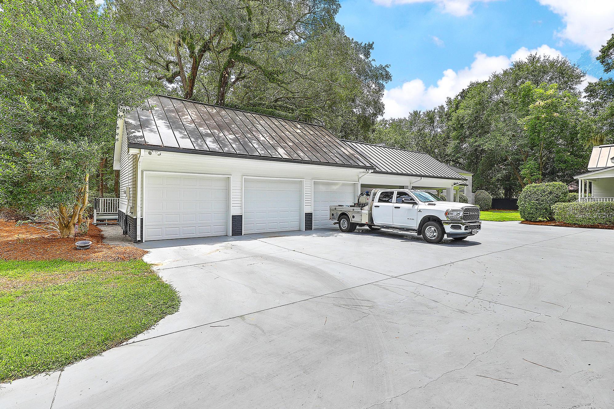 Summerville Homes For Sale - 102 Hickory, Summerville, SC - 86