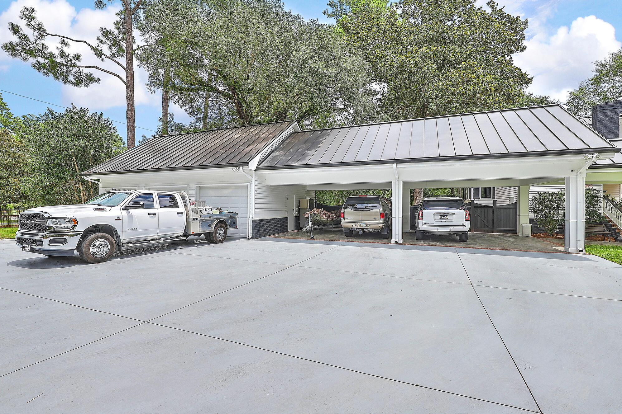 Summerville Homes For Sale - 102 Hickory, Summerville, SC - 64