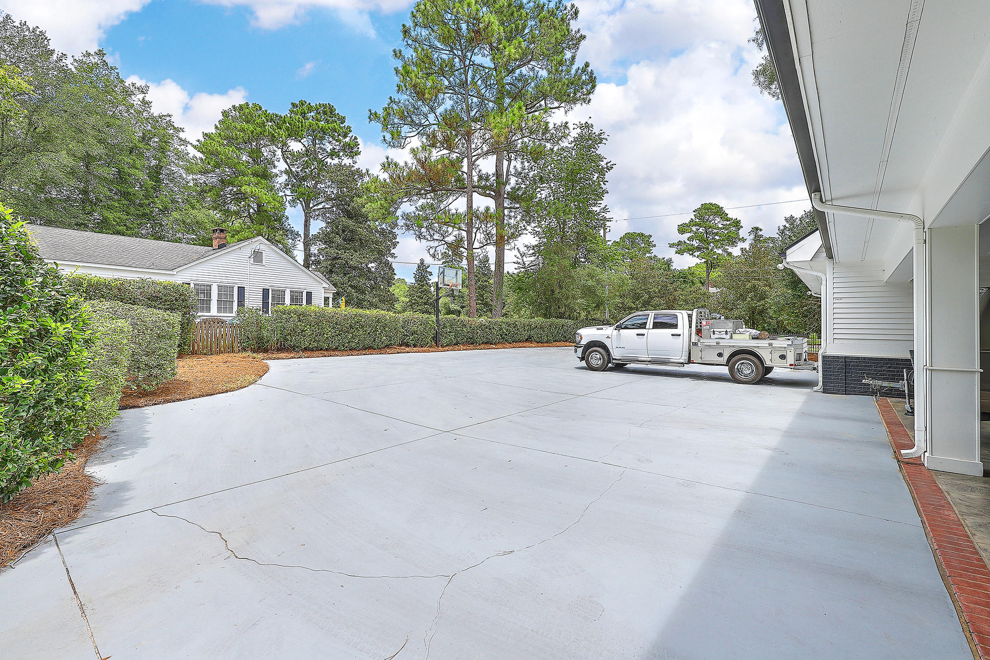 Summerville Homes For Sale - 102 Hickory, Summerville, SC - 12