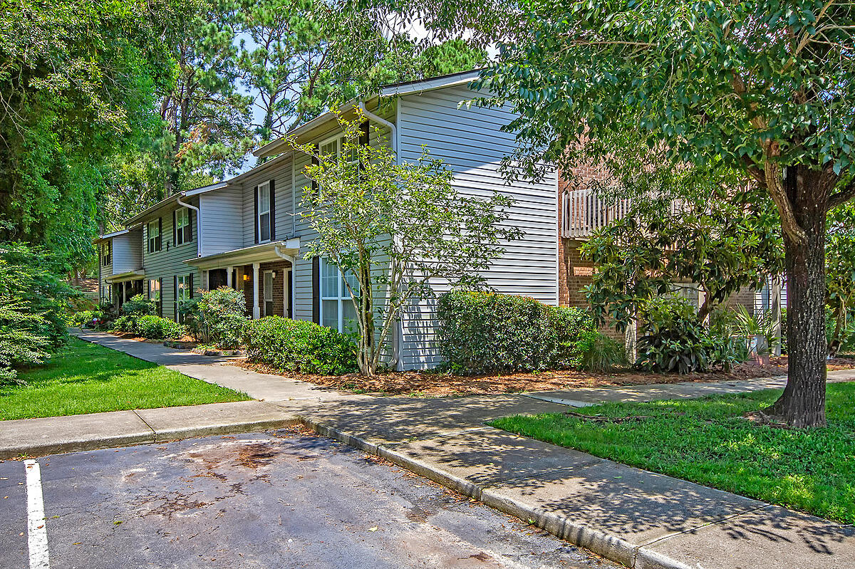 Melrose Park Townhomes Homes For Sale - 2494 Etiwan, Charleston, SC - 11