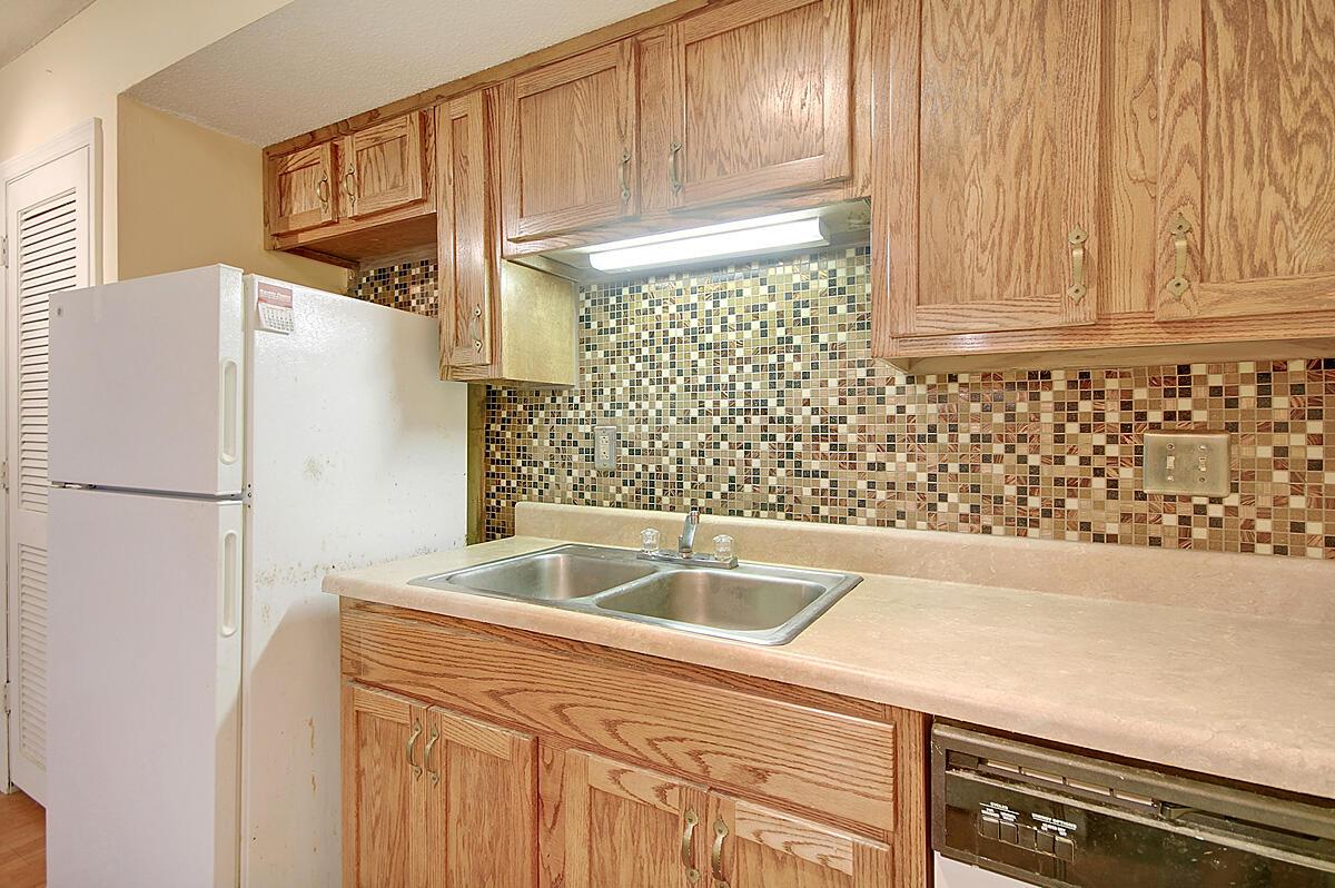 Melrose Park Townhomes Homes For Sale - 2494 Etiwan, Charleston, SC - 5