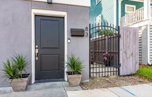 83 Cooper Street, Charleston, SC 29403