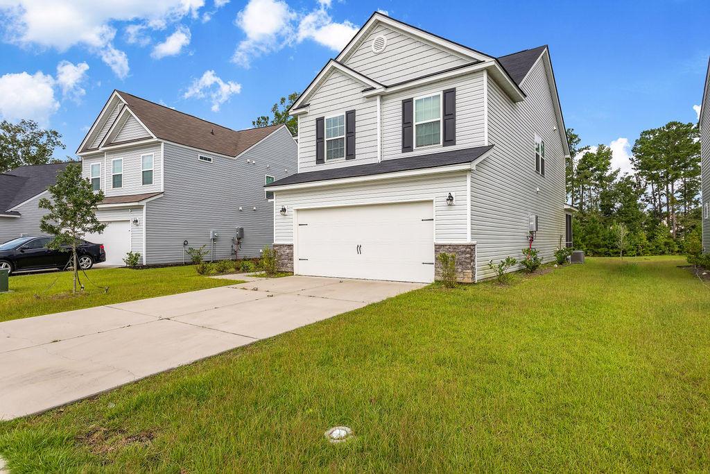 226 Daniels Creek Circle Goose Creek, SC 29445