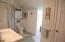 Guest room (BR#4) bath