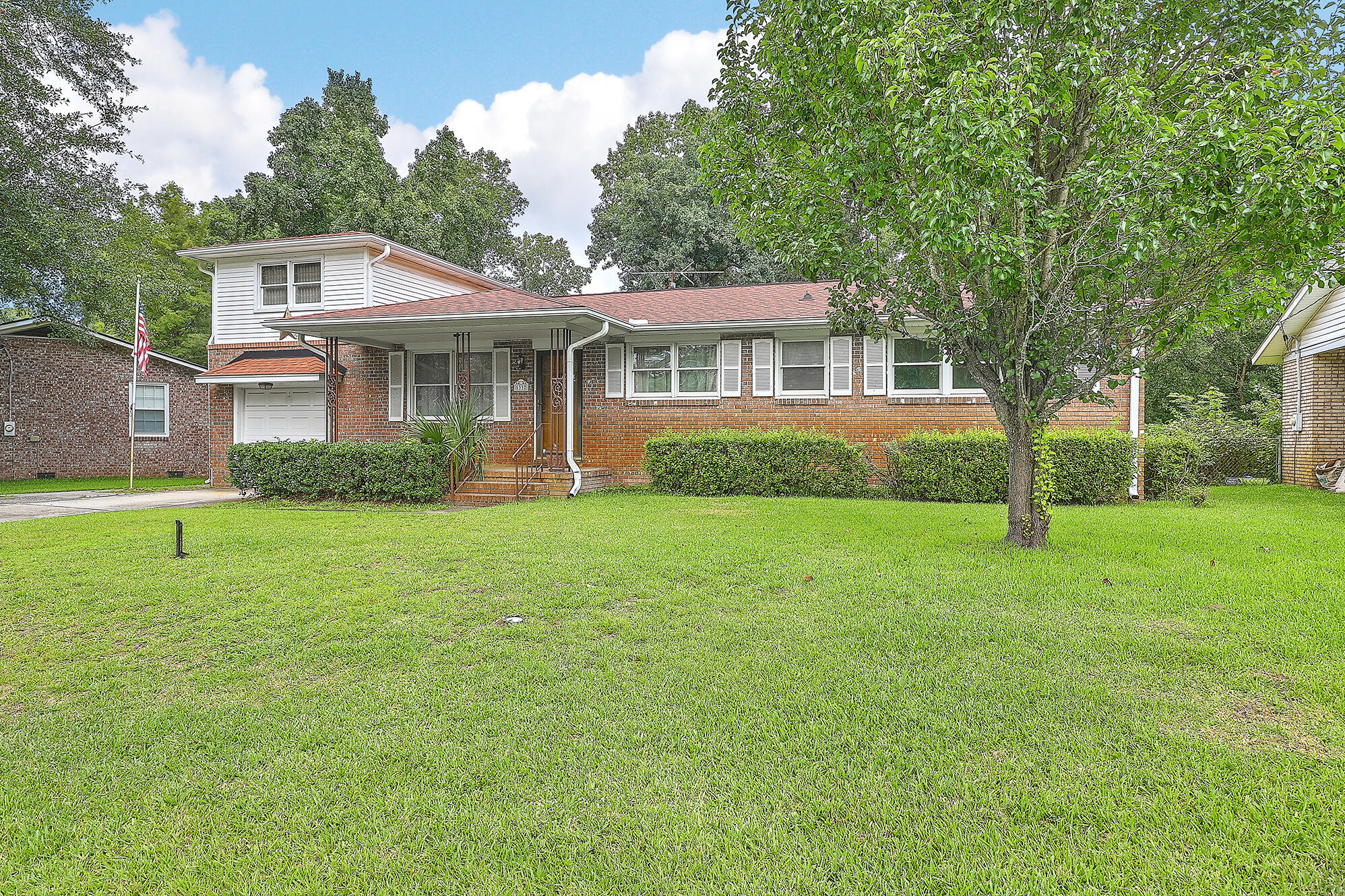 5332 Parkside Drive North Charleston, SC 29405