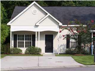 124 Stewart Place Summerville, SC 29485