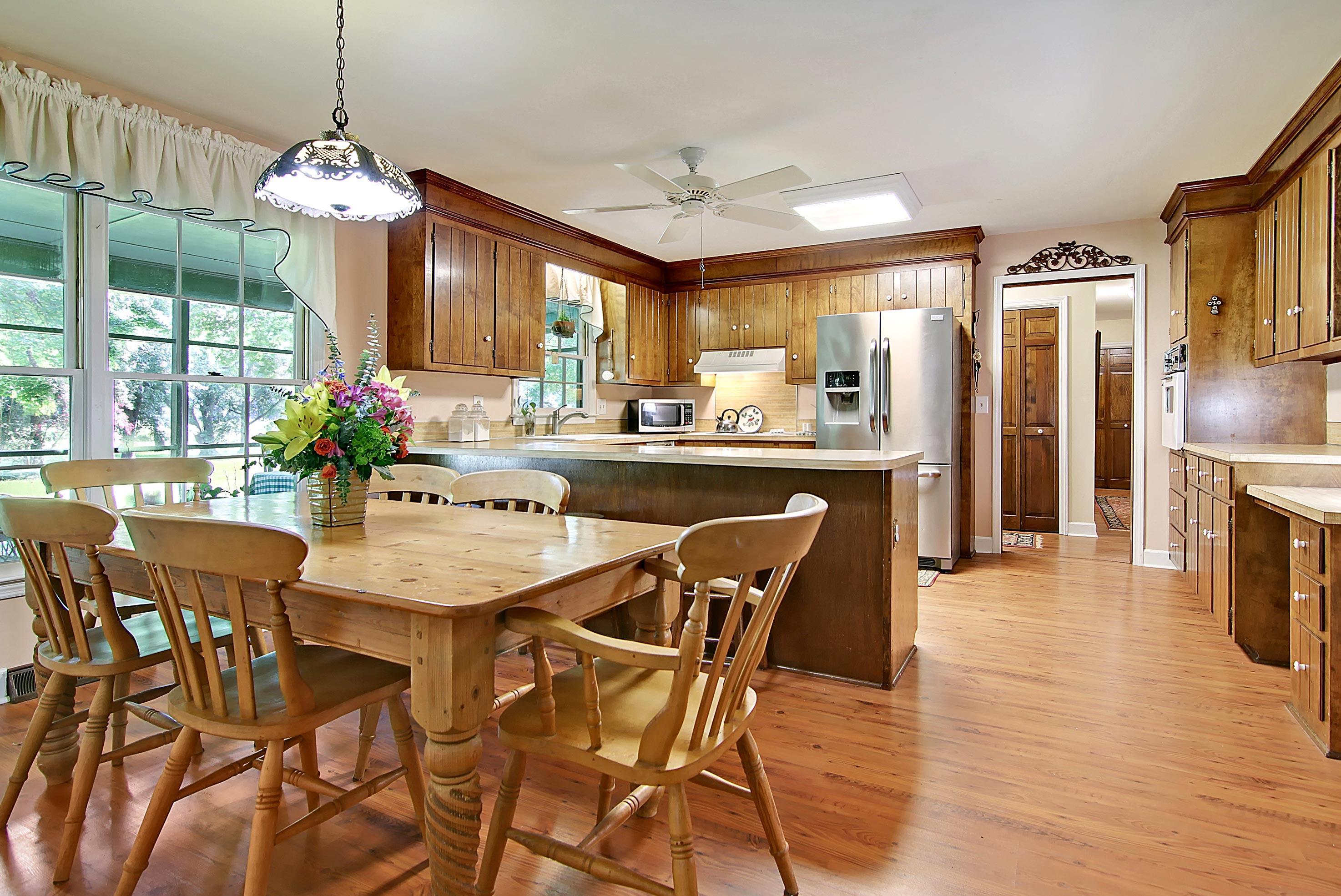 Snee Farm Homes For Sale - 913 Austin, Mount Pleasant, SC - 16