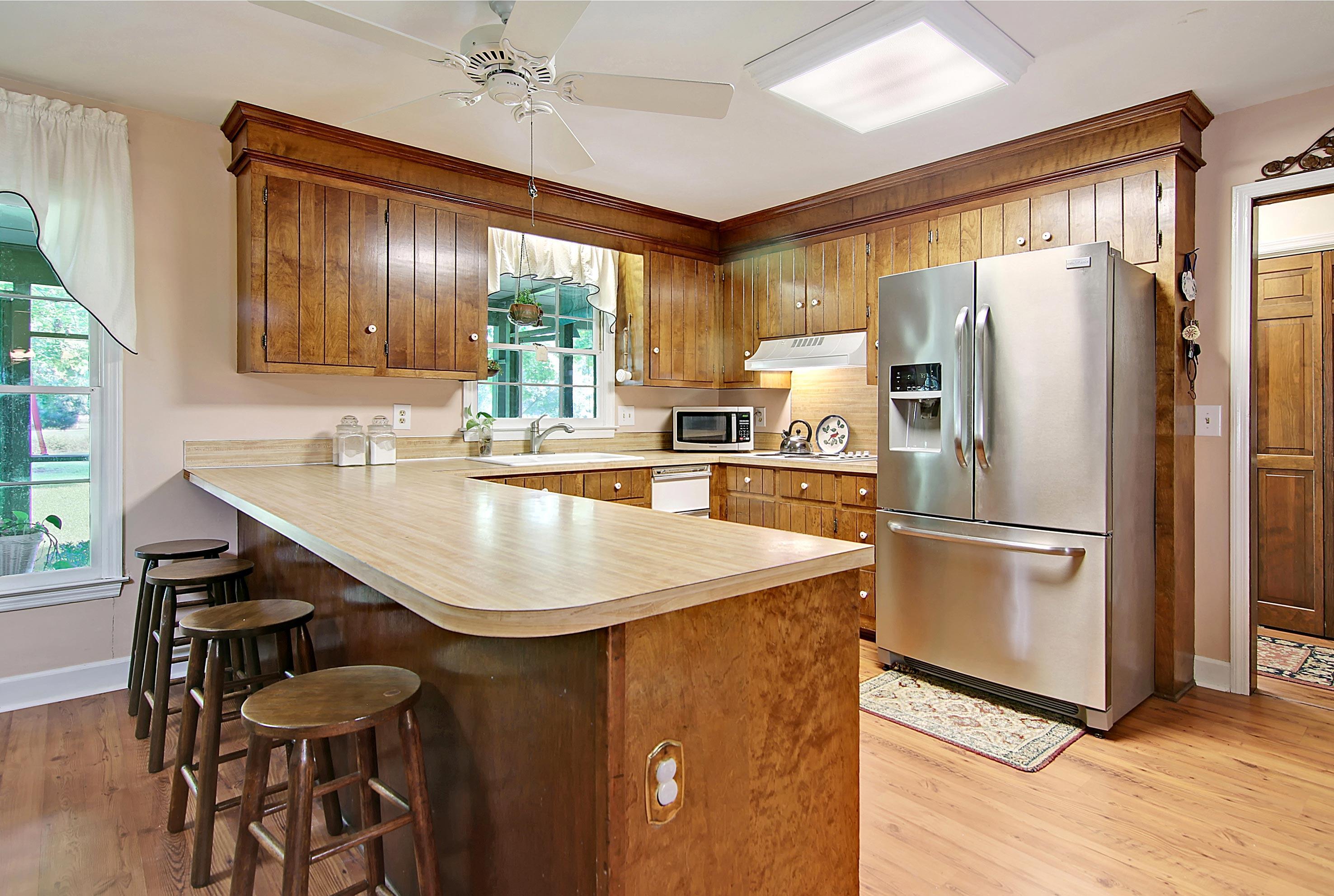 Snee Farm Homes For Sale - 913 Austin, Mount Pleasant, SC - 13