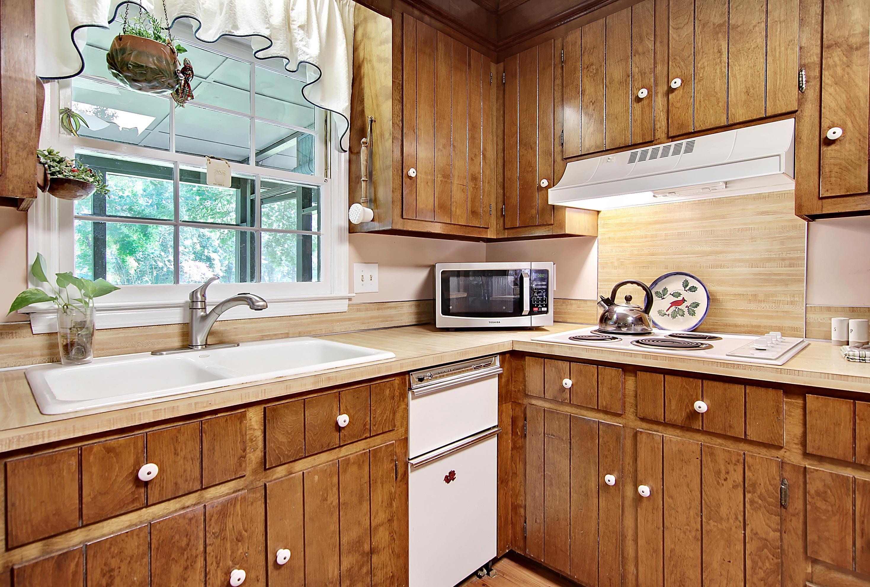 Snee Farm Homes For Sale - 913 Austin, Mount Pleasant, SC - 15