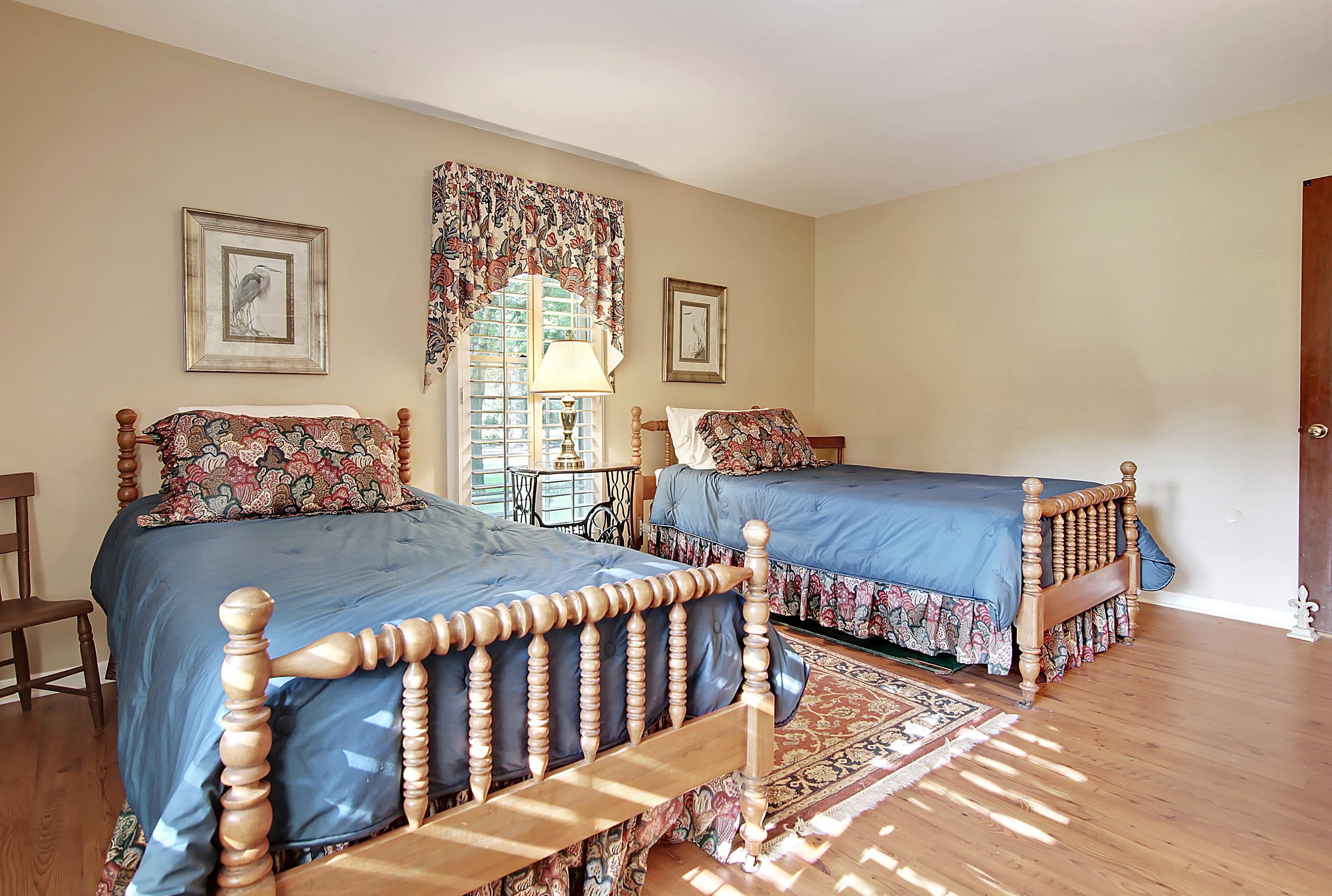 Snee Farm Homes For Sale - 913 Austin, Mount Pleasant, SC - 4