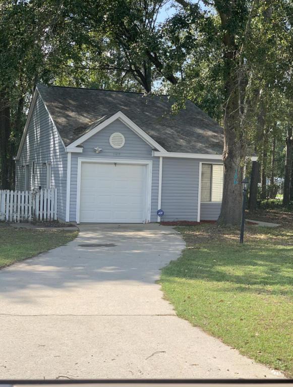 109 Morning Glory Court Summerville, SC 29486