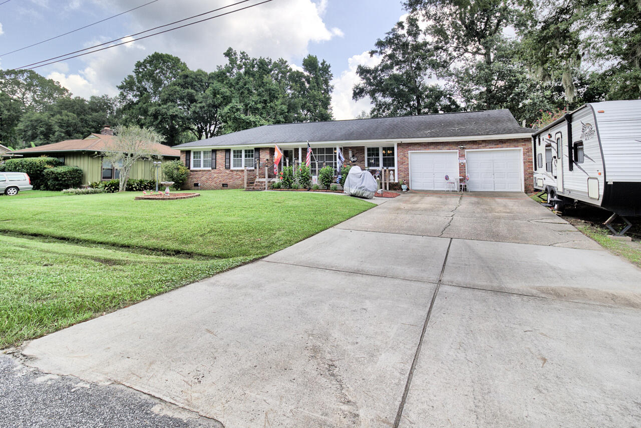 820 E Estates Boulevard Charleston, SC 29414