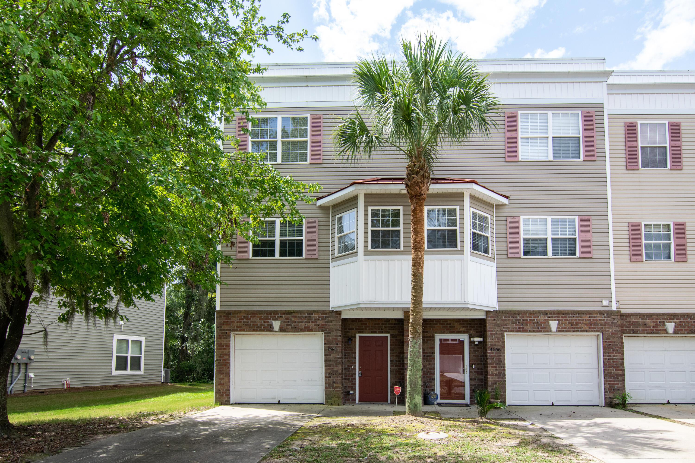 4668 Palm View Circle North Charleston, SC 29418