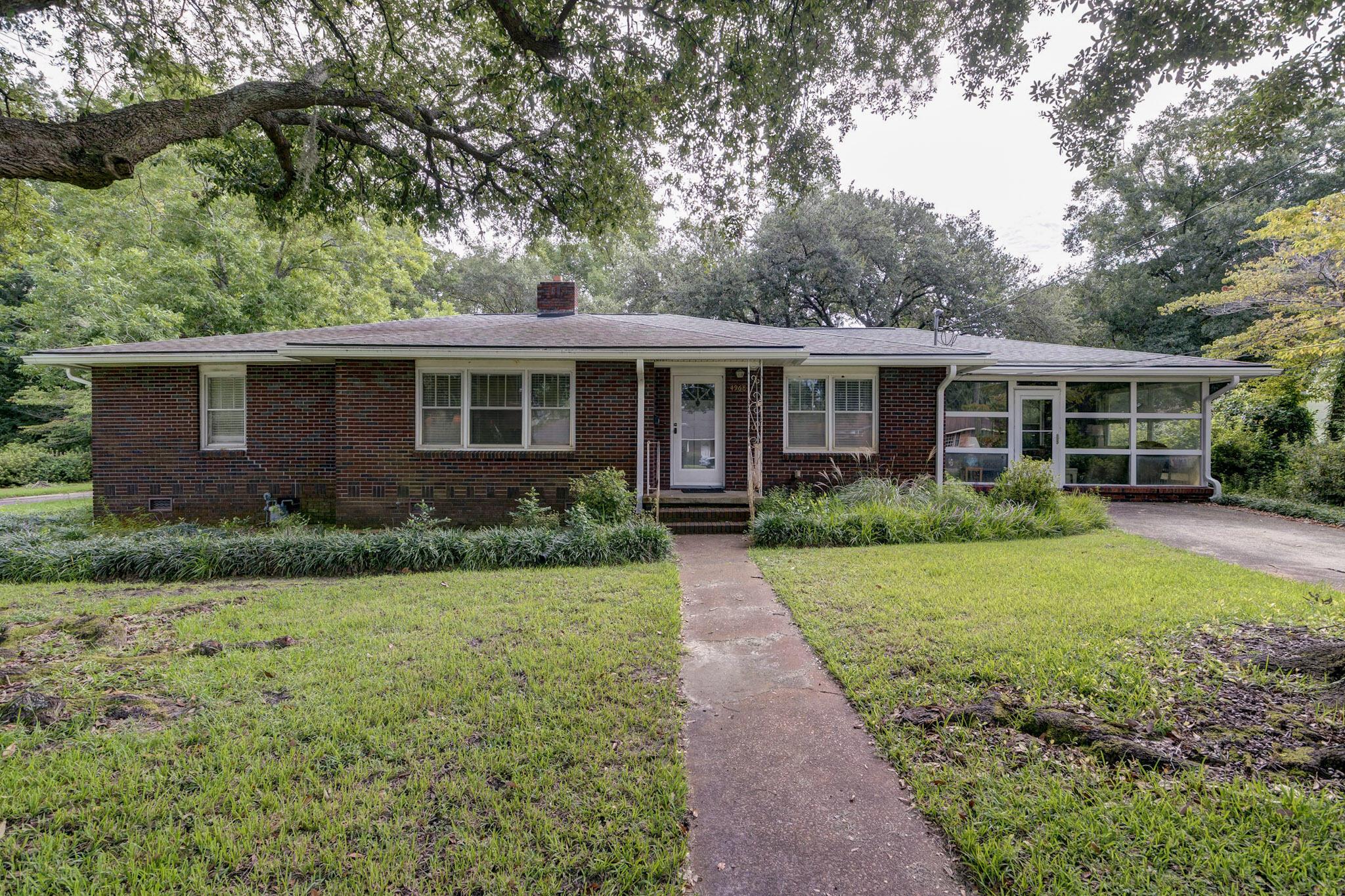 4968 Victoria Avenue North Charleston, SC 29405
