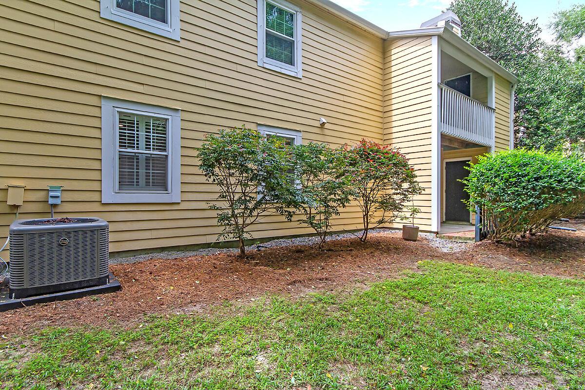 Hibben Ferry II Homes For Sale - 1054 Anna Knapp, Mount Pleasant, SC - 2