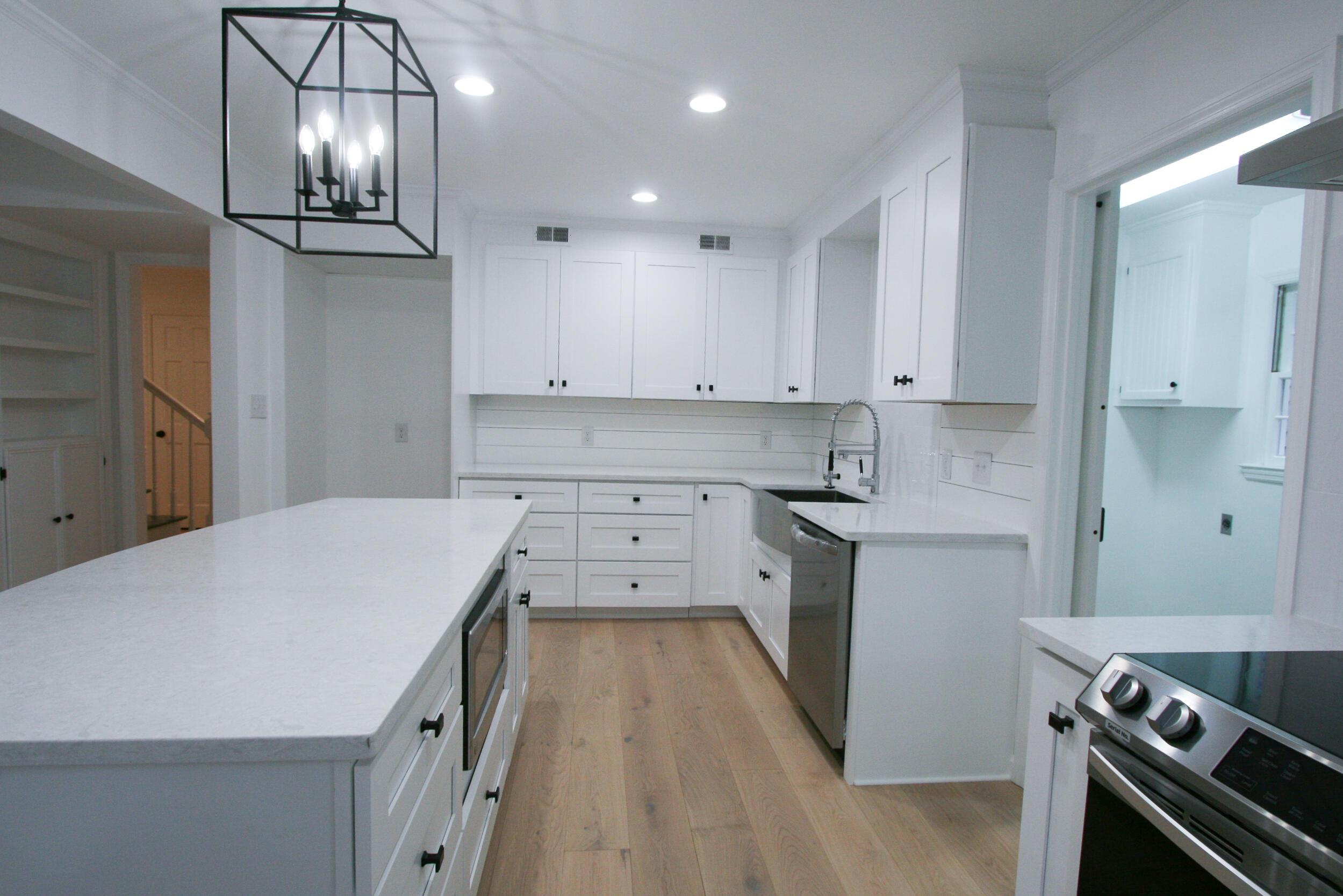 Snee Farm Homes For Sale - 1071 Ambassador, Mount Pleasant, SC - 29