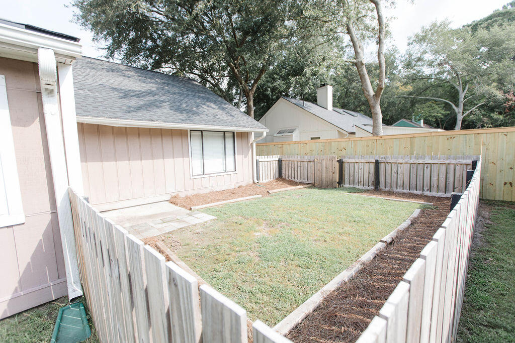Snee Farm Homes For Sale - 1136 Honeysuckle, Mount Pleasant, SC - 3