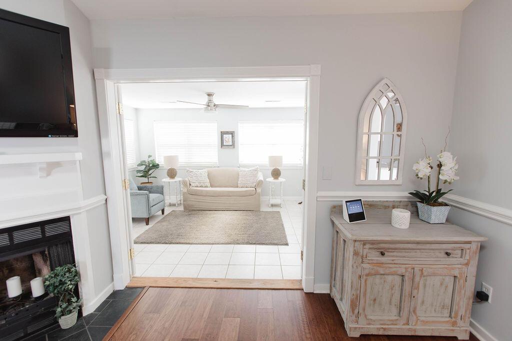 Snee Farm Homes For Sale - 1136 Honeysuckle, Mount Pleasant, SC - 13