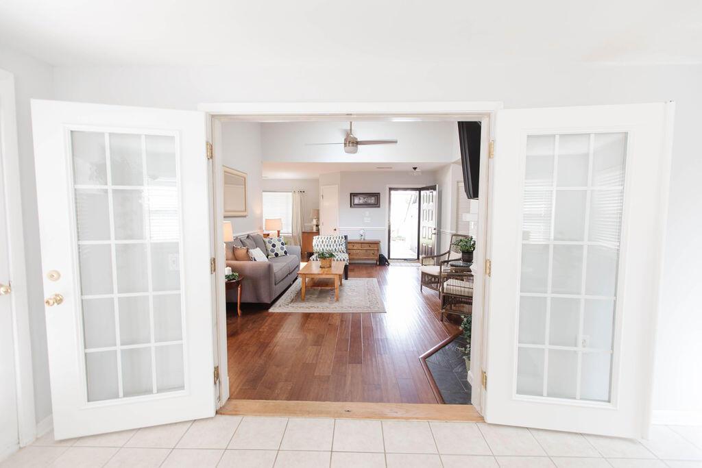 Snee Farm Homes For Sale - 1136 Honeysuckle, Mount Pleasant, SC - 14