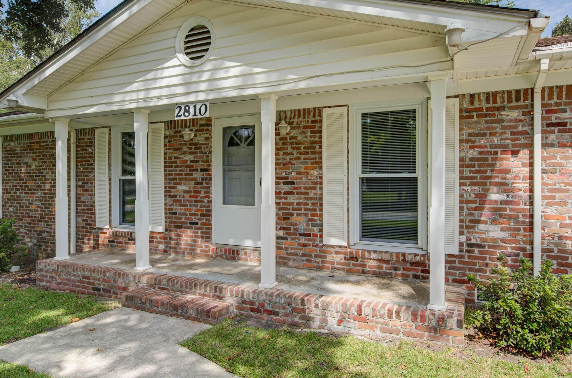 2810 Fernwood Drive North Charleston, SC 29406