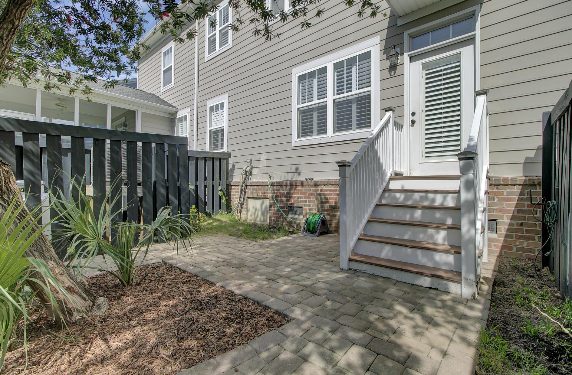 1852 Pierce Street Charleston, SC 29492