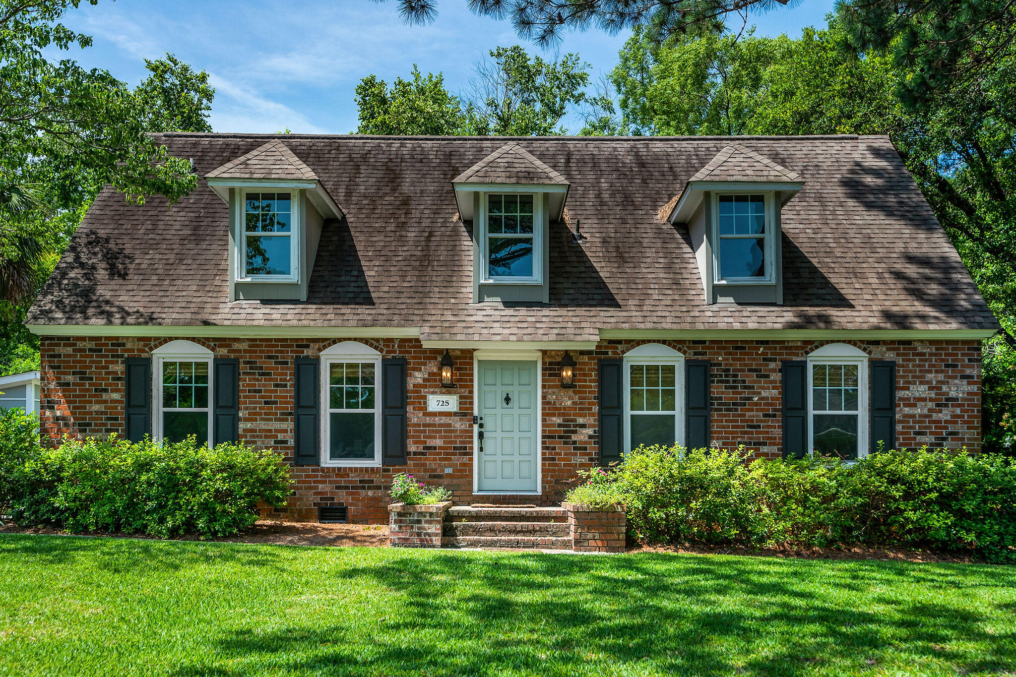 725 Chatter Road Mount Pleasant, SC 29464