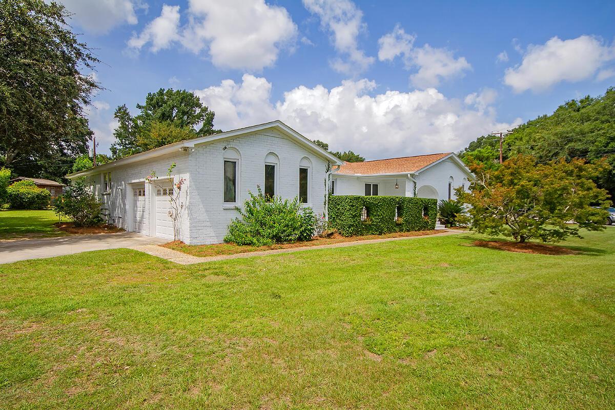 1149 Harbor View Road Charleston, SC 29412