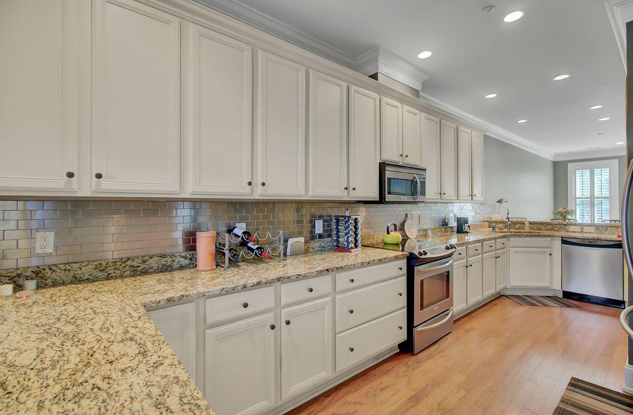 Six Fifty Six Coleman Homes For Sale - 656 Coleman Boulevard, Mount Pleasant, SC - 4