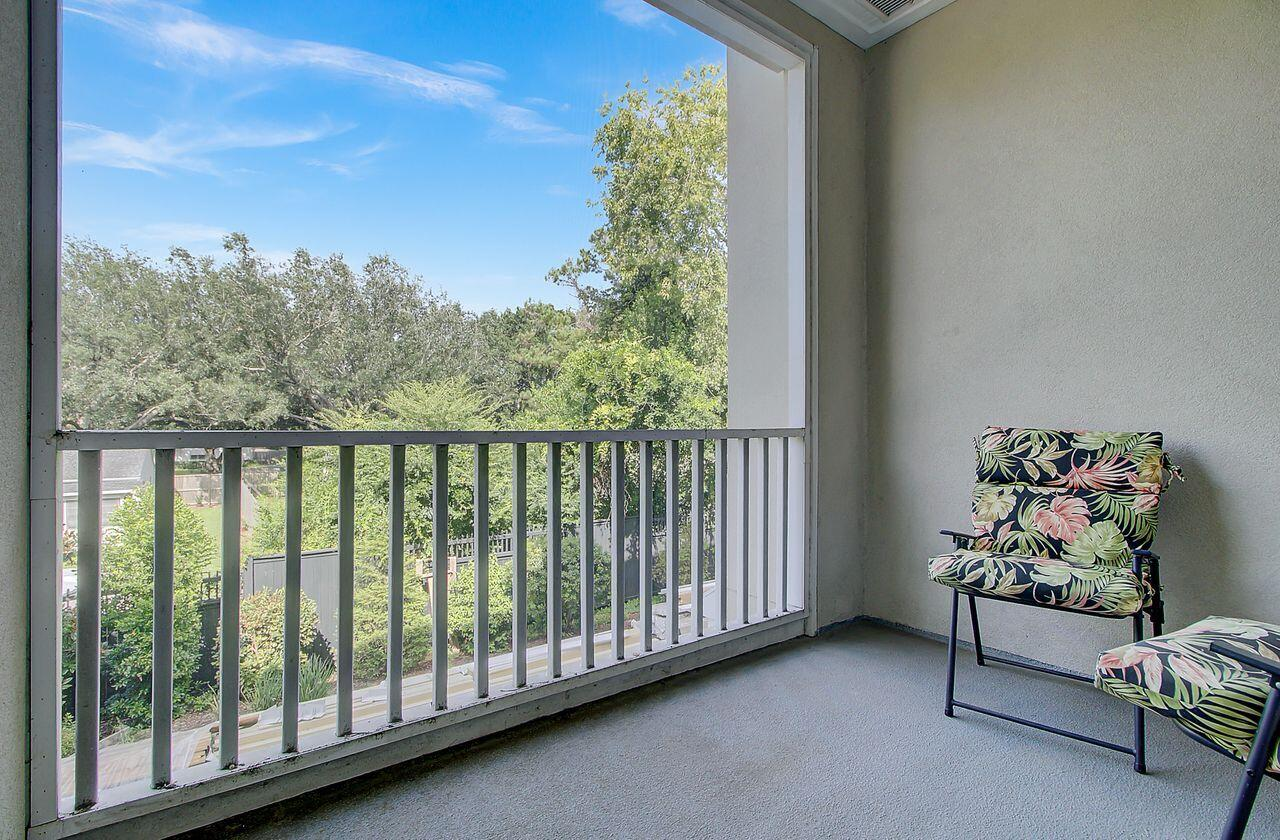 Six Fifty Six Coleman Homes For Sale - 656 Coleman Boulevard, Mount Pleasant, SC - 28