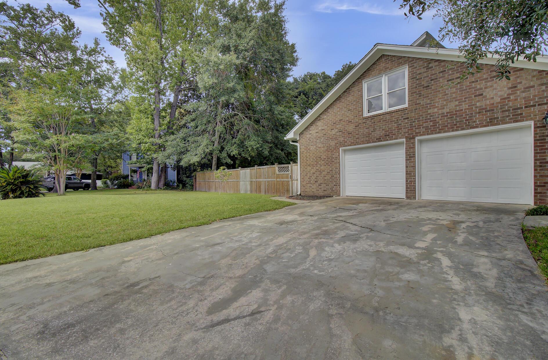 Snee Farm Homes For Sale - 1137 Parkway, Mount Pleasant, SC - 18