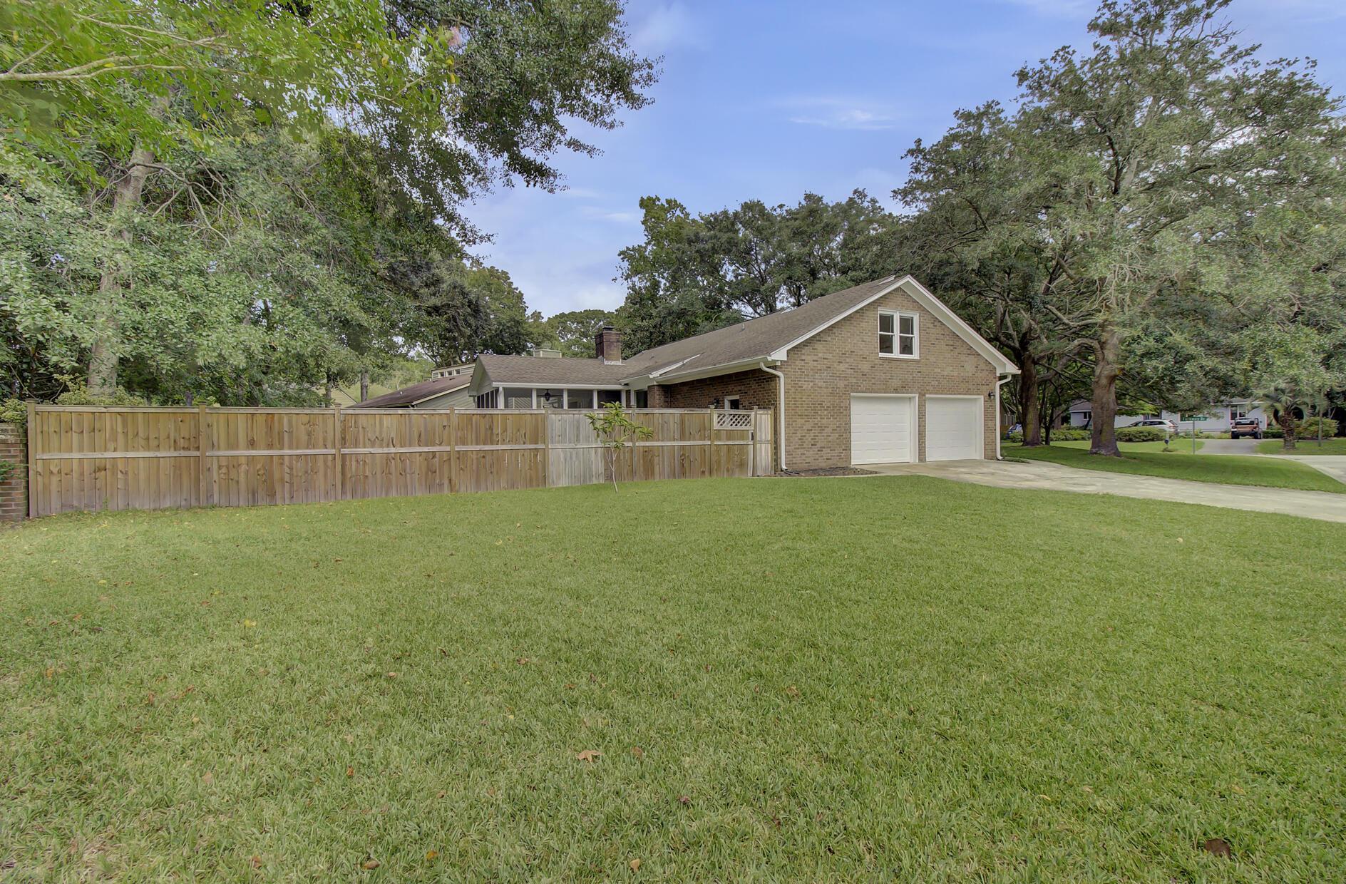 Snee Farm Homes For Sale - 1137 Parkway, Mount Pleasant, SC - 17
