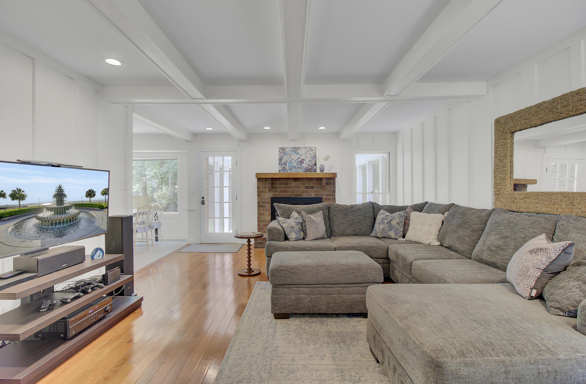 Snee Farm Homes For Sale - 1137 Parkway, Mount Pleasant, SC - 14