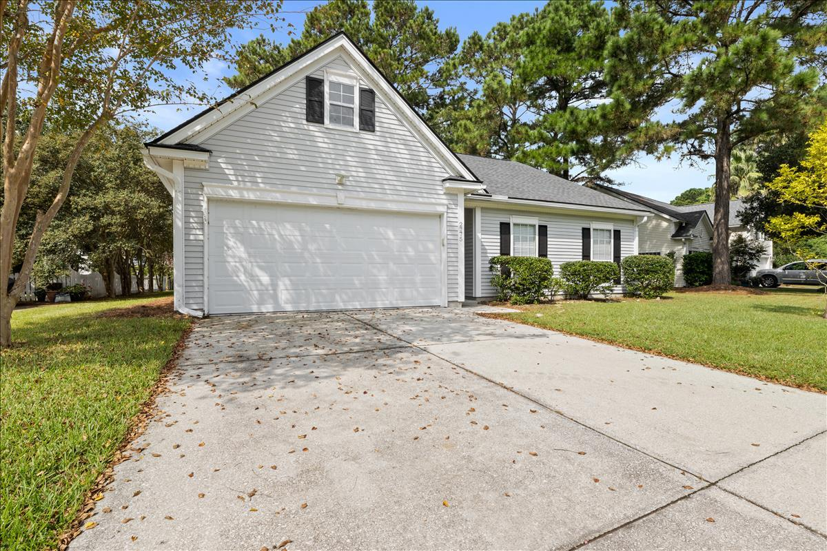 Charming, 3 bedroom/2 bathroom home in the Palmetto Hall neighborhood of Dunes West. This well maintained home features hardwood flooring in the living spaces, ceramic tile in the kitchen and baths, upgraded kitchen with granite countertops and like new appliances, spacious master bedroom, trayed ceilings, two car garage, and a recently replaced screened in porch. Roof installed 2014, HVAC installed 2018, and new garage door installed 2020. Little to no maintenance for years to come! Option to join Dunes West Club and enjoy amenities like multiple pools, tennis courts, and golf course.