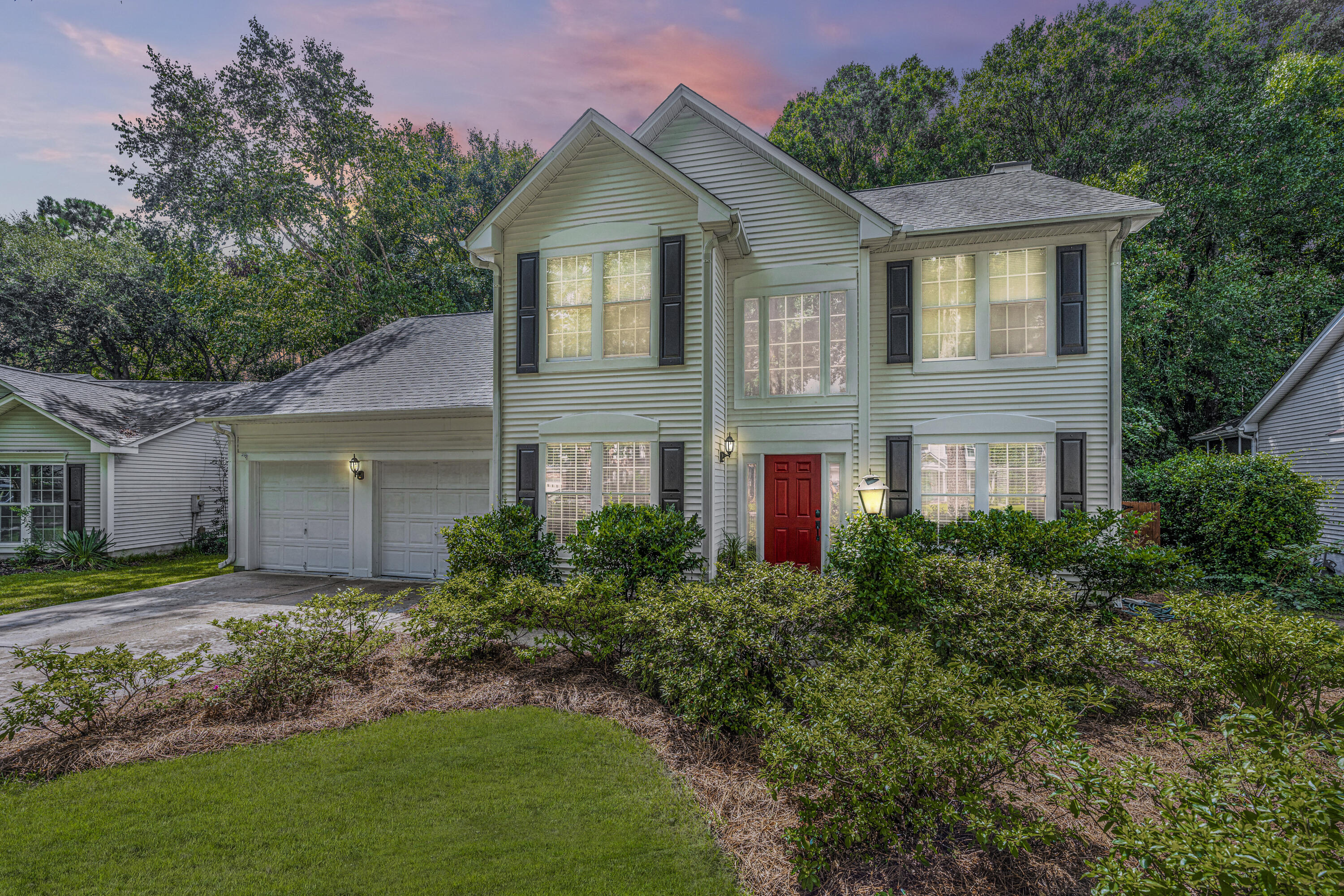 2038 Country Manor Drive Mount Pleasant, SC 29466