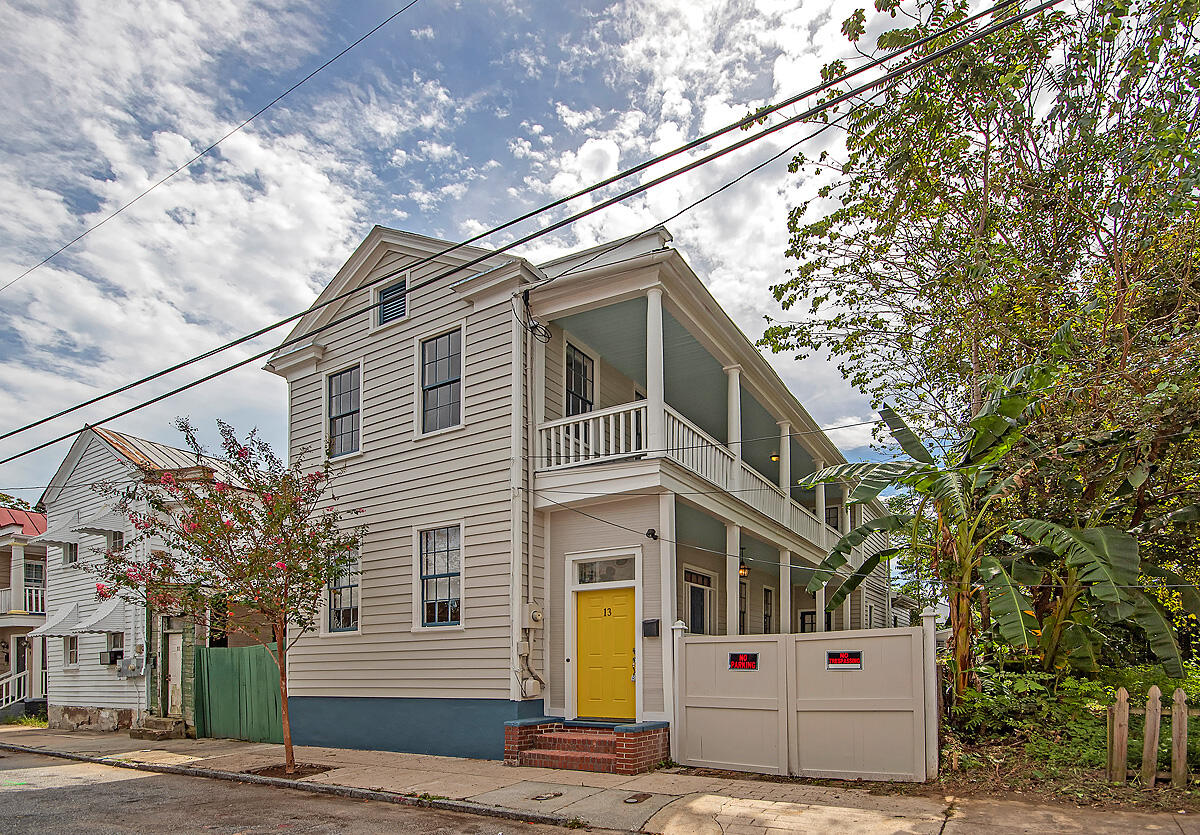 13 Hampden Court Charleston, SC 29403