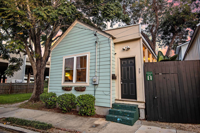 29 Poinsett Street Charleston, SC 29403