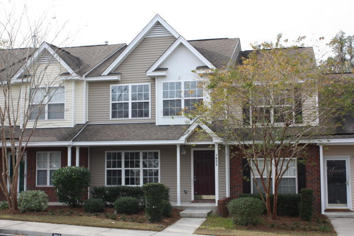 7925 Shadow Oak Drive North Charleston, SC 29406