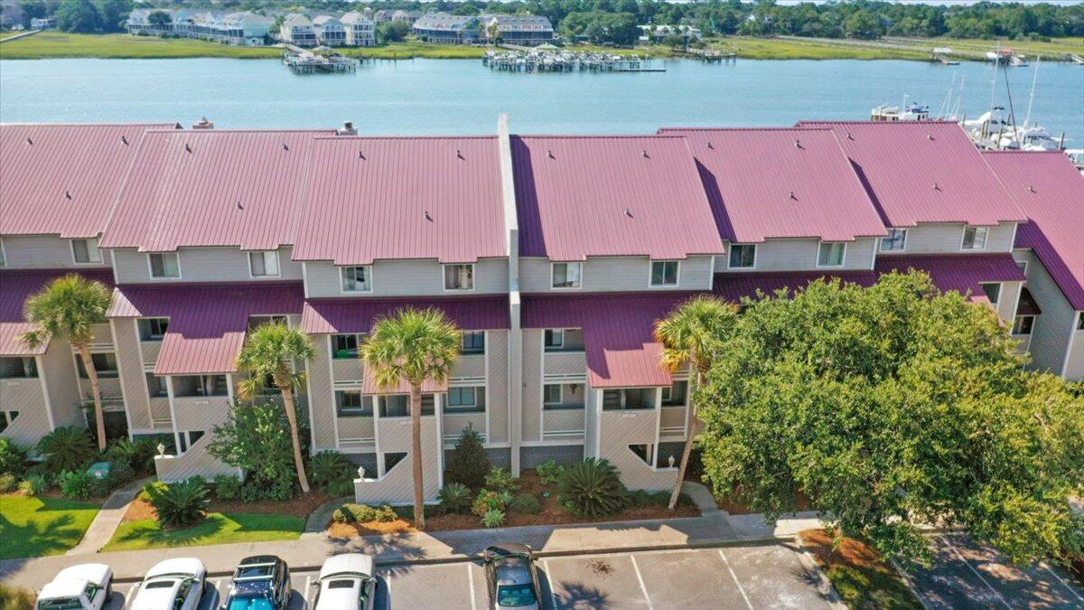 Mariners Cay Homes For Sale - 39 Mariners Cay, Folly Beach, SC - 29