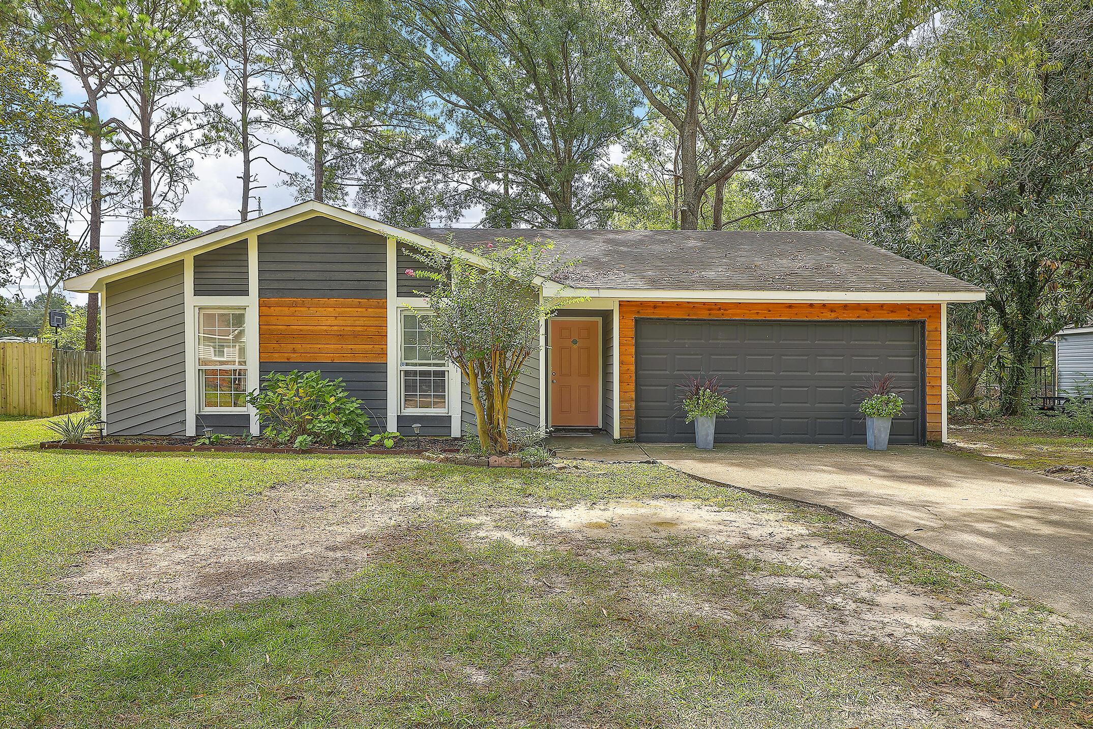 98 Peppertree Lane North Charleston, SC 29420