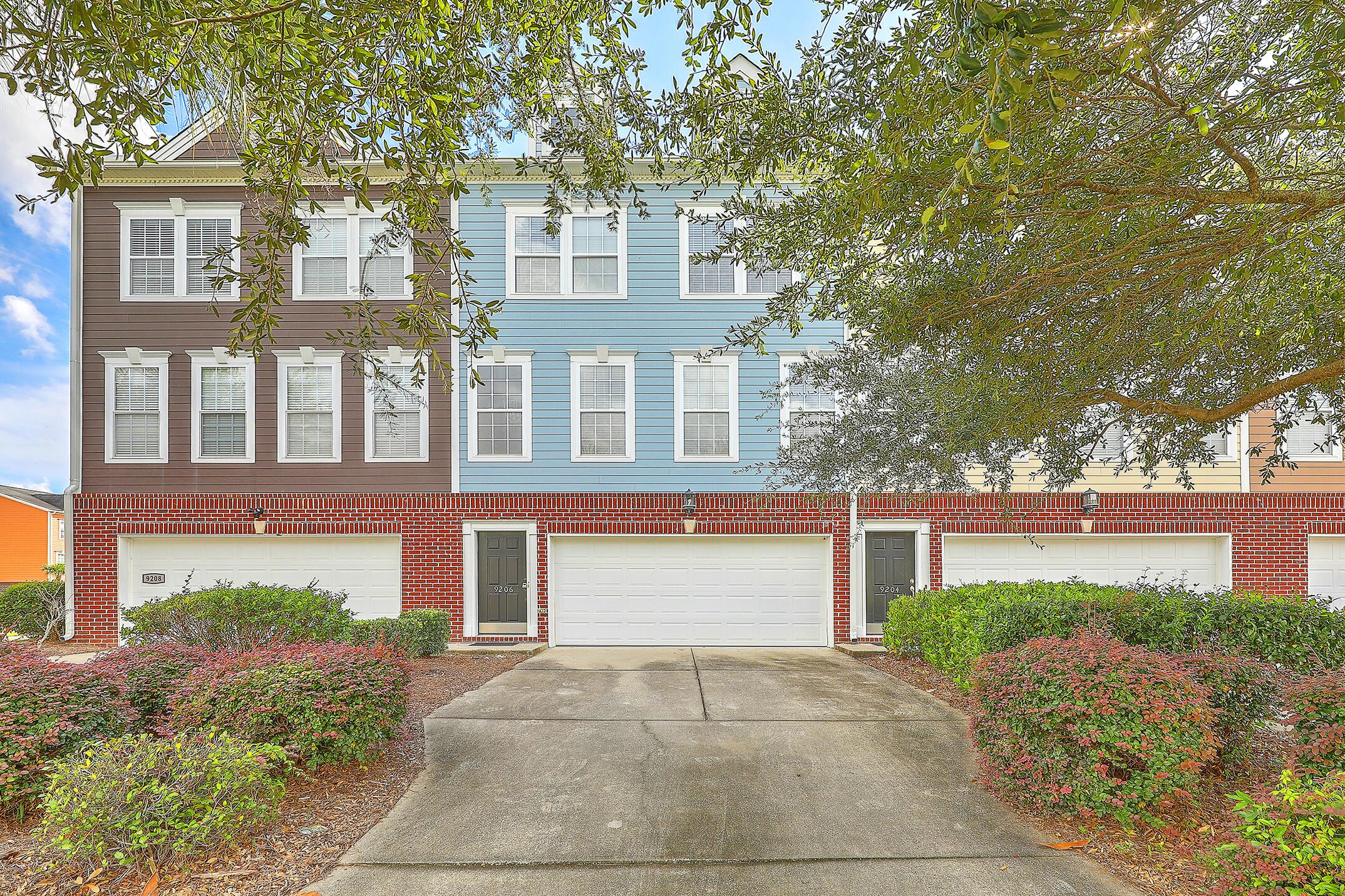 9206 Southern Oak Lane Ladson, SC 29456