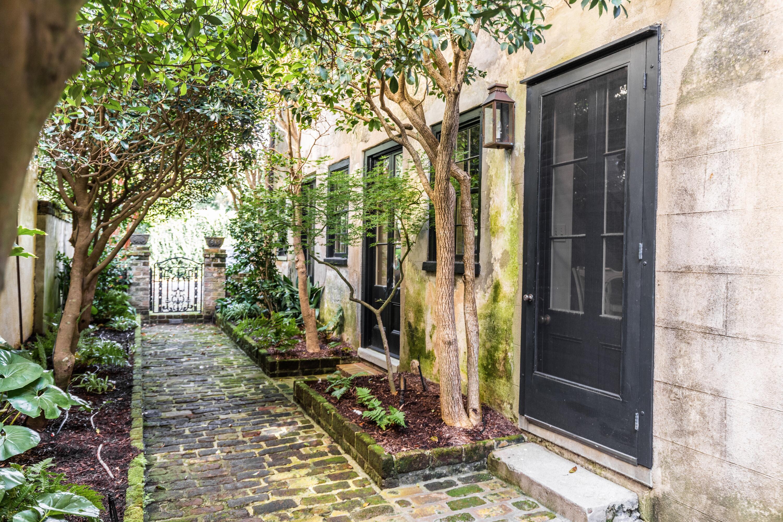 54 Tradd Street Charleston, SC 29401
