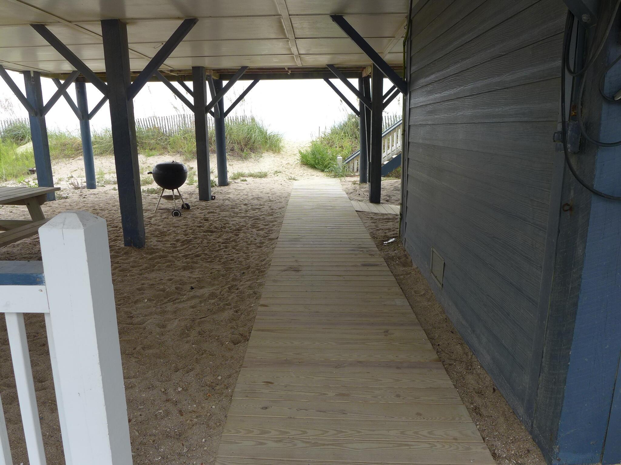 142 Palmetto Boulevard Edisto Beach, SC 29438