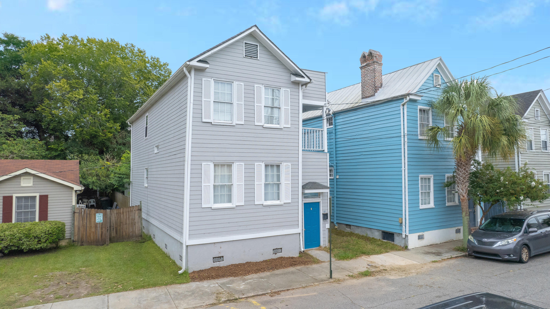 18 Larnes Street Charleston, SC 29403