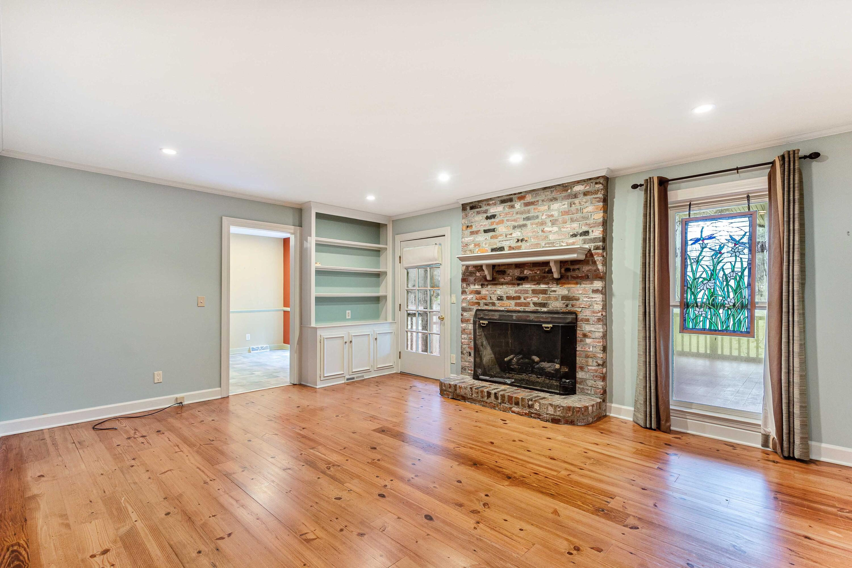Snee Farm Homes For Sale - 847 Law, Mount Pleasant, SC - 29