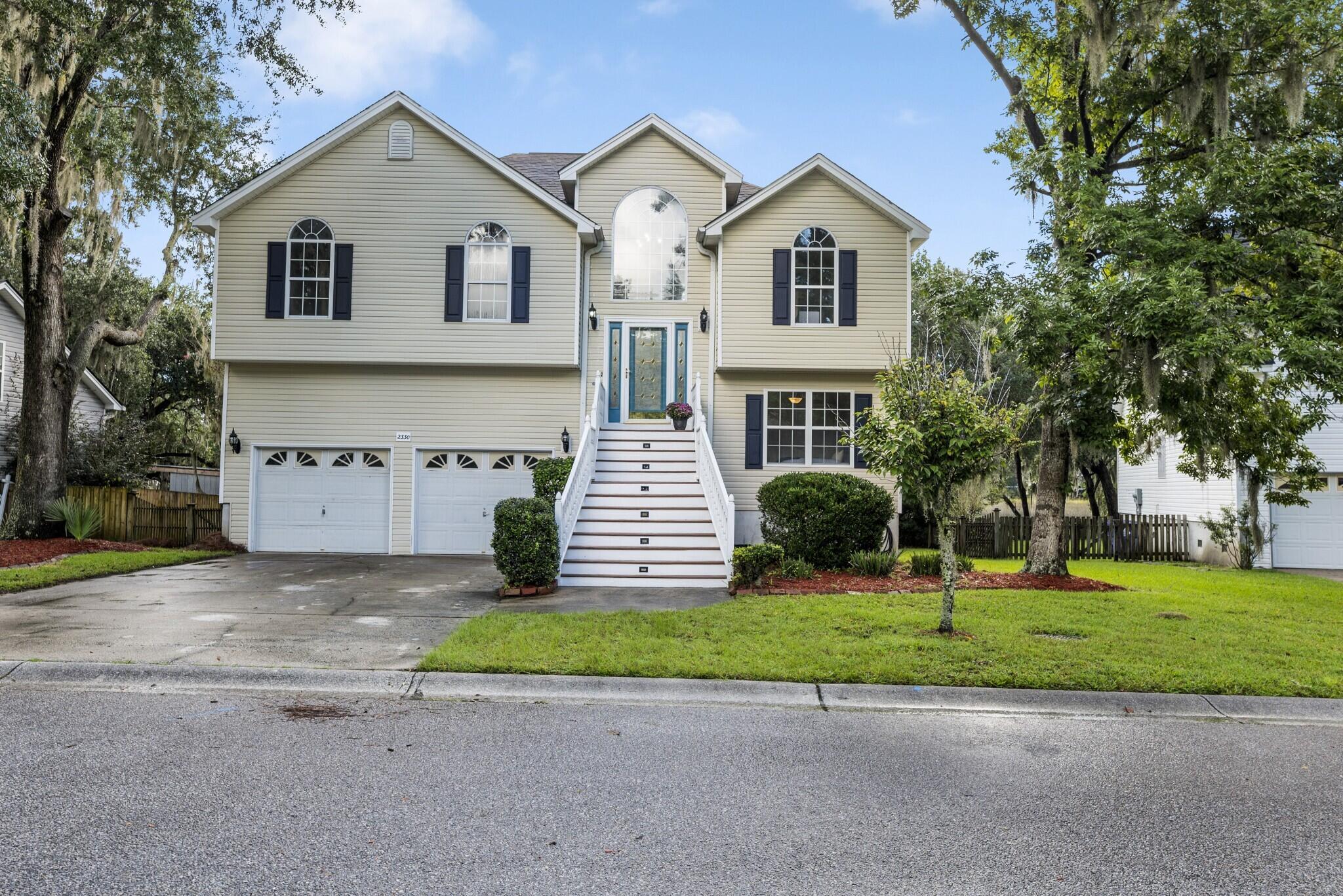 2330 Marsh Lake Court Charleston, SC 29414