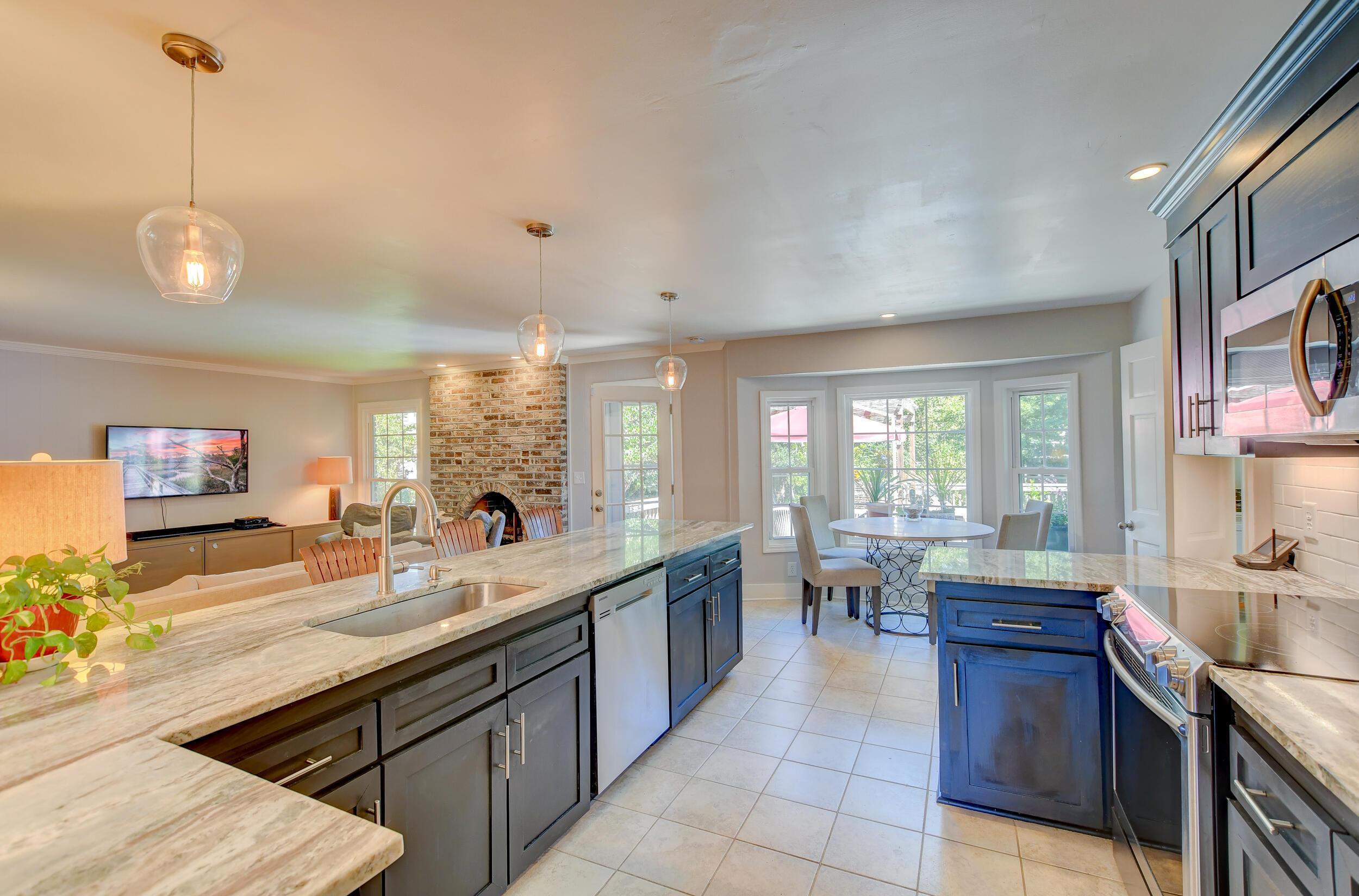 Snee Farm Homes For Sale - 955 Law, Mount Pleasant, SC - 26