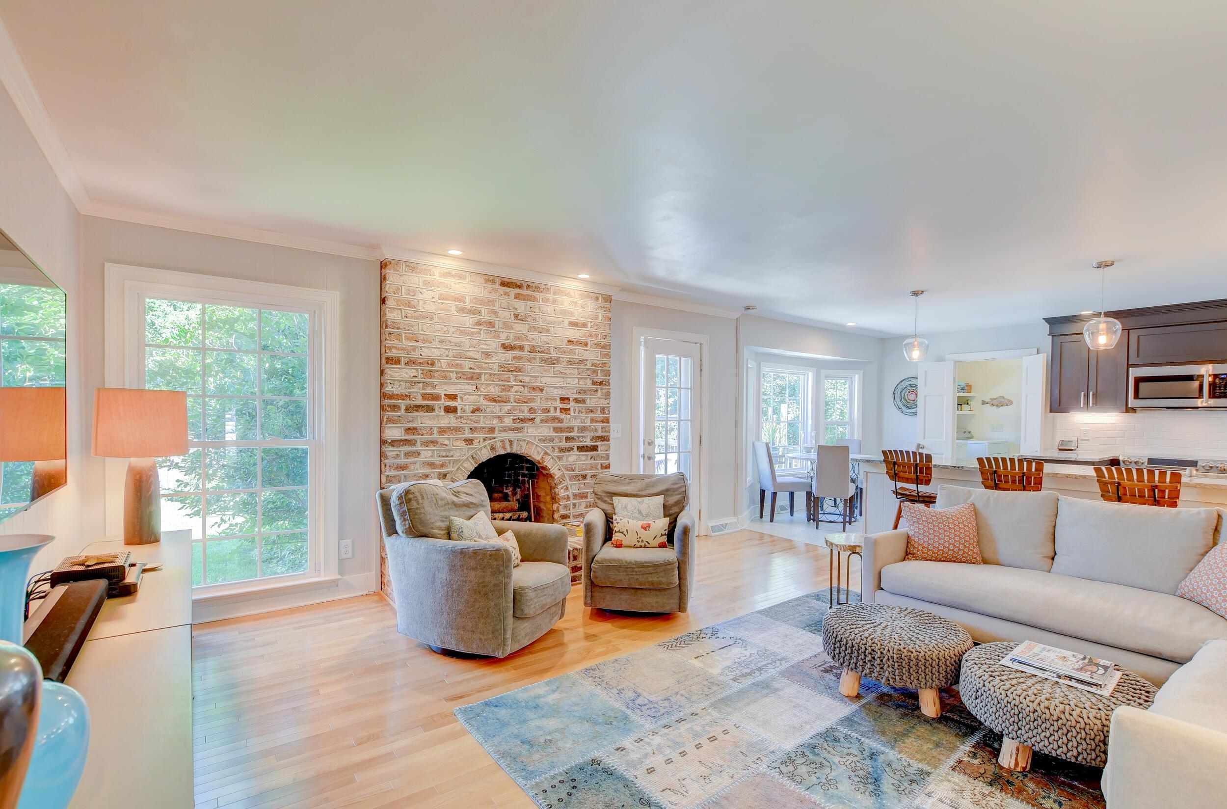 Snee Farm Homes For Sale - 955 Law, Mount Pleasant, SC - 18