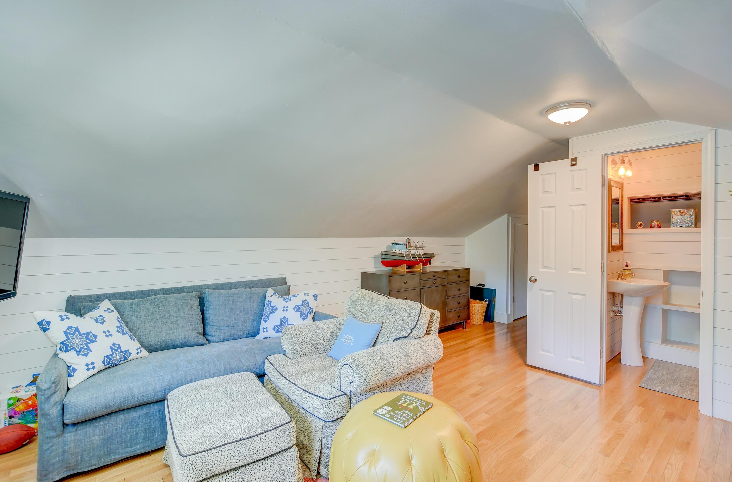 Snee Farm Homes For Sale - 955 Law, Mount Pleasant, SC - 34