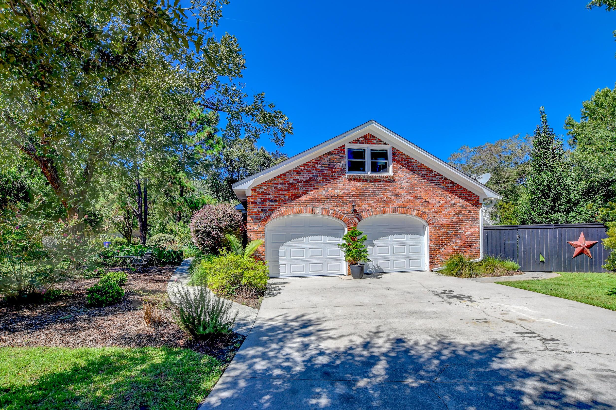 Snee Farm Homes For Sale - 955 Law, Mount Pleasant, SC - 0