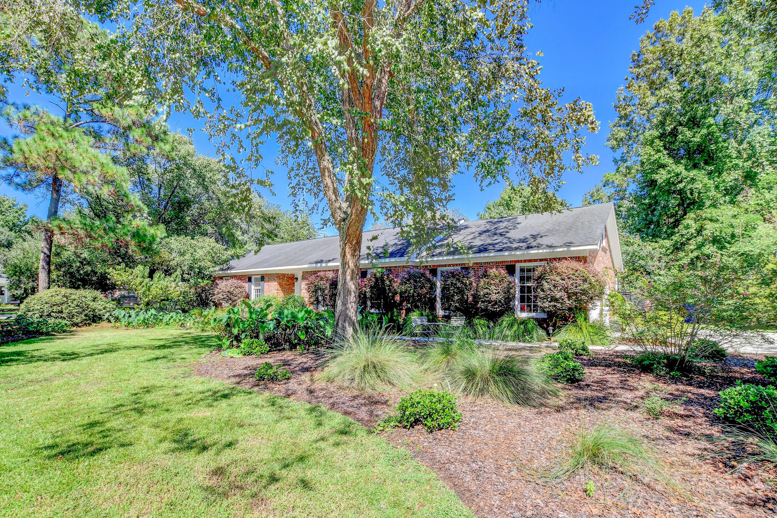 Snee Farm Homes For Sale - 955 Law, Mount Pleasant, SC - 4